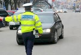 Beată și drogată! Așa a fost prinsă la volan o tânără din Bistrița